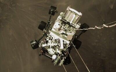 NASA zveřejnila nové fotky z Marsu. Pořídilo je robotické vozidlo Perseverance