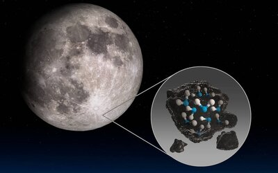 NASA zveřejnila převratný objev. Na přivrácené straně Měsíce našli vodu