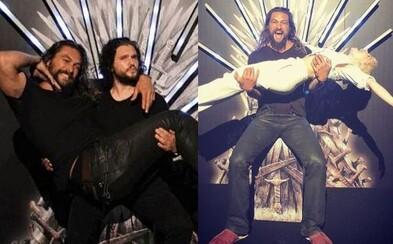 Natáčanie 8. série Game of Thrones sa končí a herci z celého príbehu to prišli osláviť na spoločnej párty