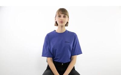 Natália Pažická vysvetľuje dopad módneho priemyslu na našu planétu a osudy ľudí. Za lacné oblečenie zaplatíme vysokú daň