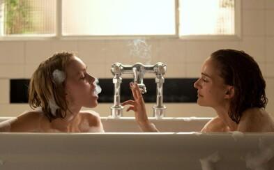 Natalie Portman a Lily-Rose Depp sú nadprirodzené sestry, ktoré sa pokúšajú dobyť  Paríž