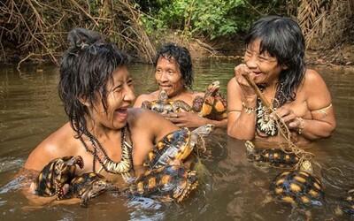 National Geographic pořídil unikátní fotky ohroženého amazonského kmene