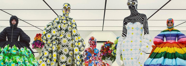Návrat do budoucnosti aneb květinově vzorovaná kolekce Moncler Genius z rukou teprve 29letého návrháře