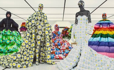 Návrat do budoucnosti nebo květinově vzorovaná kolekce Moncler Genius z rukou teprve 29letého návrháře