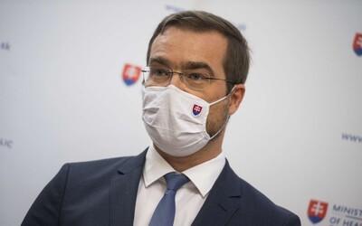 Navrátilci z Chorvátska predstavujú riziko, hovorí minister Krajčí. Za akých okolností zložia žiaci rúška v školách po 2 týždňoch?