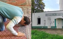 Navštívili sme moslimov v českej mešite. Bránia sa extrémizmu a pohostia u seba aj neveriacich (Reportáž)