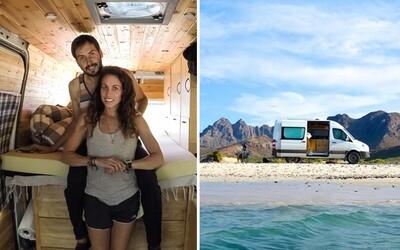 Nechala za sebou prácu v Apple a s priateľom sa vydali na cestu naprieč Amerikou. Celé dni v dodávke ich vzťah utužili