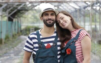 Nechutila im zelenina zo supermarketu, tak sa rozhodli pestovať vlastnú. Mladý pár z Bratislavy ponúka cez 50 druhov paradajok (Rozhovor)