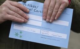 Negatívny certifikát musíš mať v obchode aj v práci. Úrad vlády tvrdo naložil úradu na ochranu osobných údajov, ktorý tvrdil opak