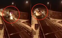 Nehoda ako z GTA. Slovák vyletel metre do vzduchu, roztočil sa a vrazil do stropu tunelu