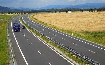 Nehodovost během karantény razantně klesla, na silnicích se ale umírá pořád stejně