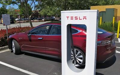 Nejen Nizozemsko, ale už i Norsko hodlá zakázat prodej aut na fosilní paliva. Elon Musk je nadšený