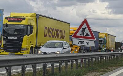 Nejhorší rok pro řidiče na dálnici D1 je tu. Očekávají se kolony, ministr dopravy žádá o trpělivost