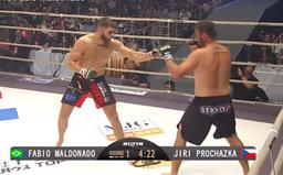 Nejlepší český MMA bojovník Jiří Procházka vyhrává další zápas! Soupeře ukončil v 1. kole