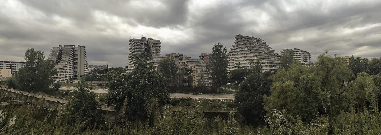Nejnebezpečnější sídliště v Evropě bylo dějištěm krvavých válek mezi mafiánskými klany. Sen o dostupném bydlení nevyšel