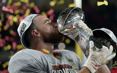 Nejprestižnější liga amerického fotbalu zná vítěze. Kansas City Chiefs po 50 letech vyhráli Super Bowl