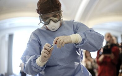 Nejvíce nakažlivý koronavirem je ten, u koho se zatím neobjevily žádné příznaky. Zjistila to nová studie