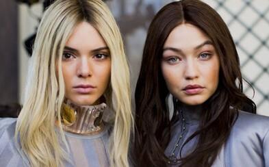 Nejžádanější modelky současnosti si vyměnily barvy vlasů během přehlídky Balmain, poznáte je?