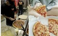 Někdo si do opuštěného domu objednal pizzu a zabil tam kurýra, který ji přivezl