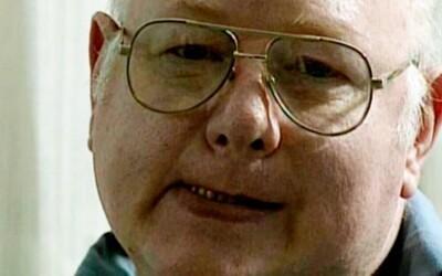 Nekrofil s fetišom na ženské topánky vraždil obete v garáži domu, kým jeho manželka a deti večerali
