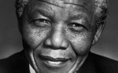 Nelson Mandela zomiera vo veku 95 rokov