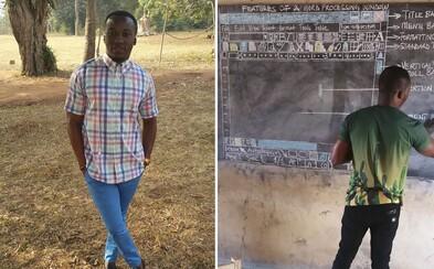 Nemají počítače, ale Word se v Ghaně učí i tak. Obětavý učitel vždy na tabuli podrobně nakreslí celý program