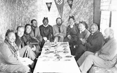 Nemci boli potomkovia bohov. Nacista Heinrich Himmler nechcel iba vyhubiť Židov, ale bol posadnutý aj okultizmom