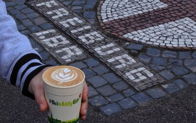 Nemecké mesto vymyslelo spôsob, ako nevyhadzovať jednorazové poháre na kávu. Ich náhrada sa dá použiť 400-krát