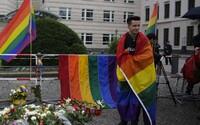 Německo schválilo zákaz terapií na změnu sexuální orientace