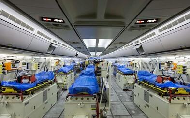 Německo využívá speciálně upravené nemocniční letadlo na převoz pacientů z Itálie a Francie do svých nemocnic