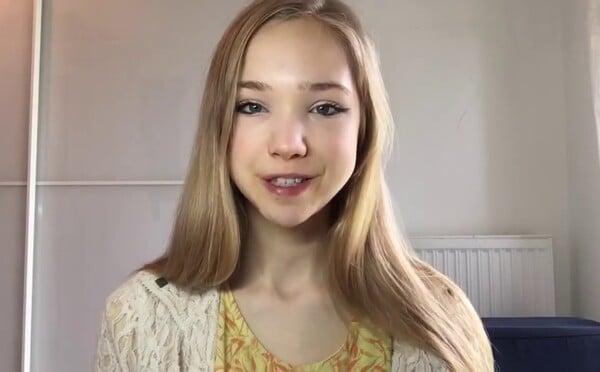 """Nemeckú youtuberku nazývajú """"antiGreta"""" Thunberg. Mladé dievča spochybňuje, že za globálne otepľovanie môžu ľudia"""