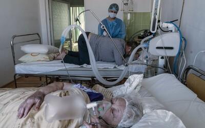 Němečtí lékaři jsou na pokraji sil, prosí vládu, aby neuvolňovala opatření. Ve třetí vlně prý pomůže jen tvrdý lockdown