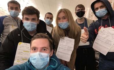 Nemocnice Na Bulovce chce v pondělí propustit pět Čechů, kteří přiletěli z Wu-chanu