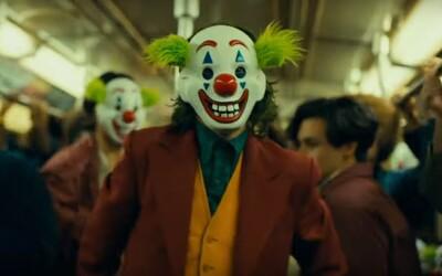 Nenávistná spoločnosť spravila z Arthura nemilosrdného Jokera. Nový trailer je prísľubom najlepšieho filmu tohto roka