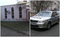 Nenávistný nápis na islámské mešitě v Brně už vyšetřuje policie