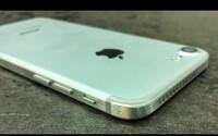 Nepáči sa ti zaoblený a klzký dizajn iPhonu 7? Pomocou priemyselnej píly a brúsky si ho chlapík rýchlo pozmenil