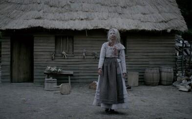 Nepodarené zábery z hororu Čarodejnica prekypujú smiechom a krvou