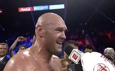 Neporažený šampion Tyson Fury naložil německému soupeři TKO, pak si zazpíval