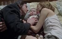 Nepríjemná rodinná dráma zasadená do depresívneho bytu, z ktorého vyžaruje klaustrofóbia, anorexia a materská paranoja