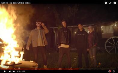 Nerieš sa pripomínajú novým videoklipom. Aspoň na deň by chceli žiť normálny život