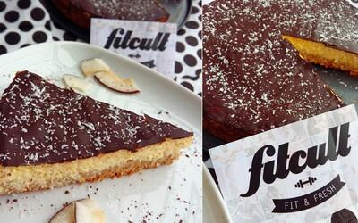Neskutečně dobrý fit Bounty dort s dostatkem bílkovin a nižším obsahem sacharidů (Recept)