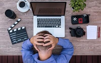 Nespokojenost dokáže ničit naše životy. Objev 10 jejích nejčastějších příčin a zjisti, jak se jim vyhnout