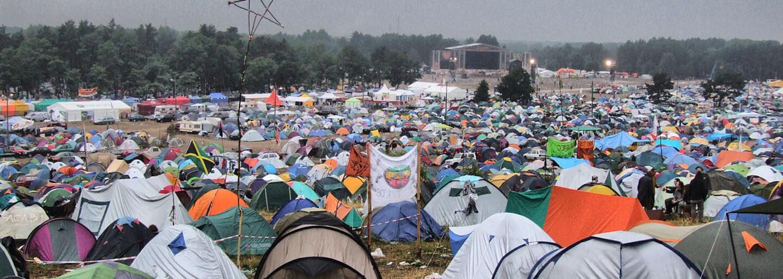 Nespútaná vášeň, drogy a muzika. Legendárny Woodstock pripomínajú momentky zo zablateného festivalu spred desiatok rokov