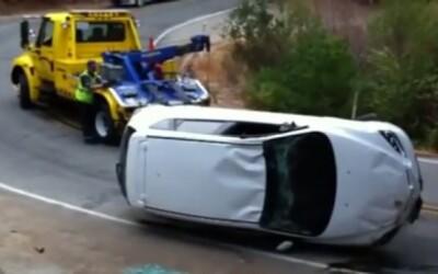 Nešťastie v nešťastí: Odťahovka vs Mazda 3