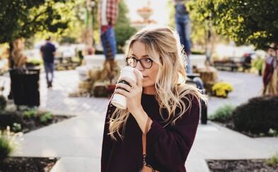 Nestihol si ráno dopiť šálku kávy? Na aktiváciu mozgu ti stačí iba jej vôňa