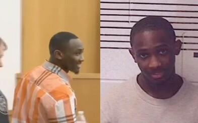 Nestiskl spoušť a smrtelný náboj nevystřelil, ale i tak ho odsoudili za vraždu. Teprve 18letý Lakeith dostal 65 let za mřížemi