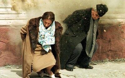Nestřílejte ho do tváře. Nejbrutálnějšího evropského diktátora popravili roku 1989 tak, aby to mohl vidět celý svět
