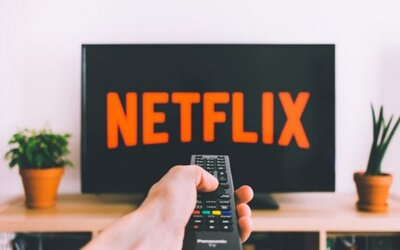 Netflix má v pláne bojovať proti používateľom, ktorí zdieľajú heslá k účtom so svojimi kamarátmi