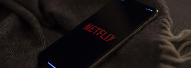 Netflix sa po vlne kritiky rozhodol obmedziť fajčiarske scény v seriáloch