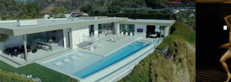 Neuveriteľné propagačné video, ktoré chce predať vilu za 100-miliónov dolárov. Pomáhajú mu v tom odvážne ženy aj hromada zlata na Lamborghini